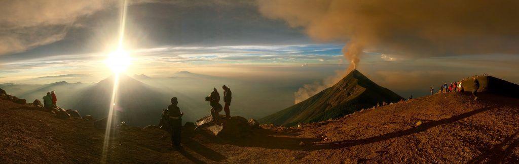 Acatenango Trek - Espectacular vista desde un volcán • Cima Acatenango