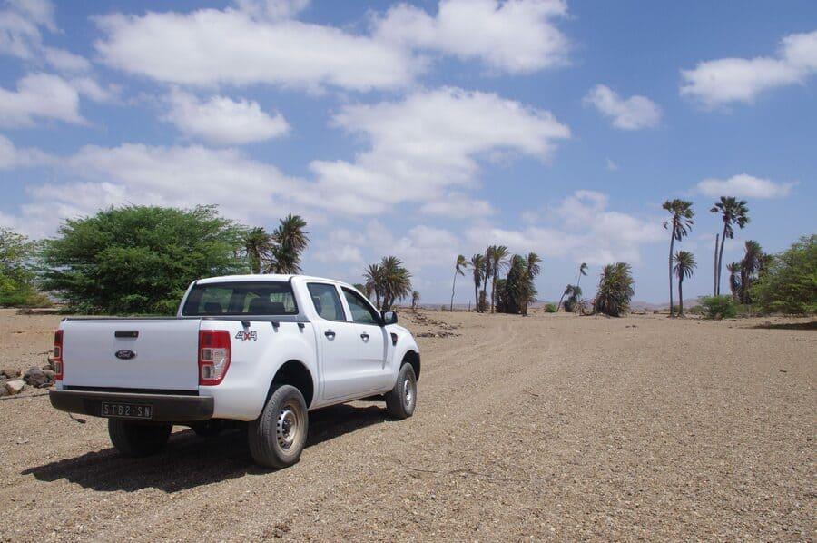atravesando desierto en Boa Vista, Cabo Verde