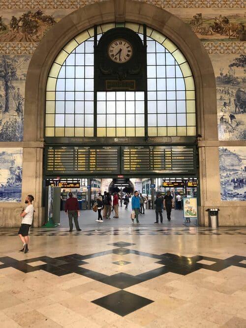 Estación de tren Sao Bento