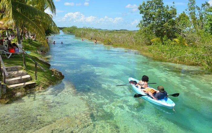 Viaje en grupo a México • rapidos bacalar mexico