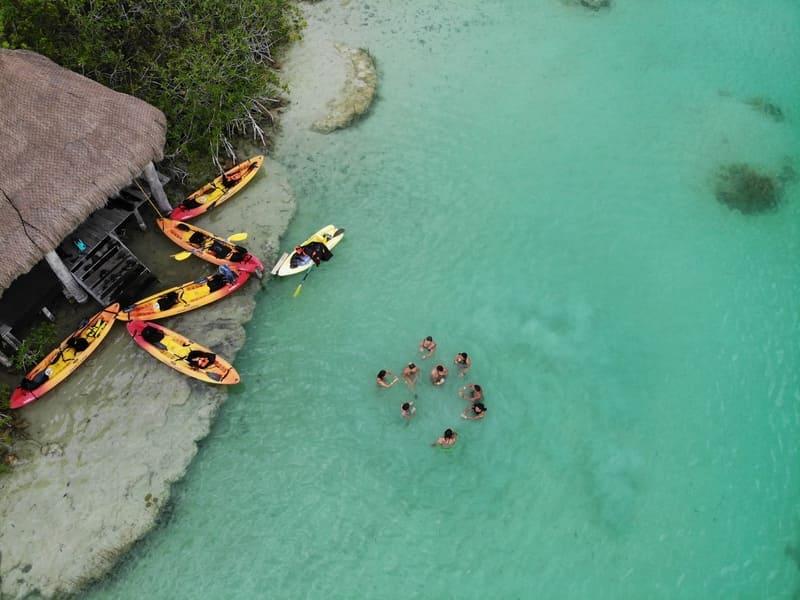 Viaje en grupo a México 12 días Diciembre • Bacalar rapidos